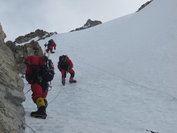 Wyprawa na Broad Peak 2013: podejście do obozu IV (fot. Adam Bielecki)