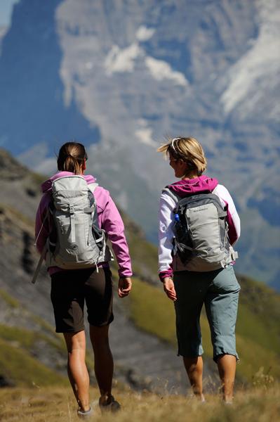 Jeśli chcesz mieć pod ręką wszystkie potrzebne przedmioty, zakup plecak z zewnętrznymi kieszeniami (fot. Mammut)