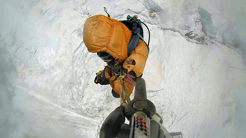 Gautam Sudarshan, pierwszy uratowany z wysokości 7800 m (fot. arch. Simone Moro)