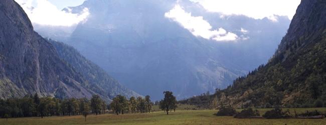 Tyrolskie Alpy we mgle (fot. Berhard Klocker)