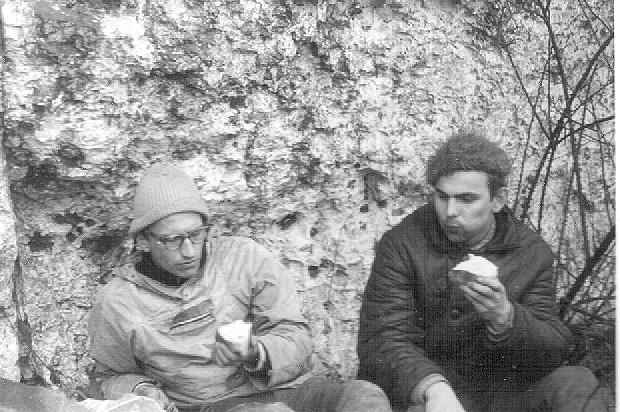 Jan Kiełkowski i Janusz Majer w skałkach ok. roku 1966 (fot. arch. M. i J. Kiełkowscy)