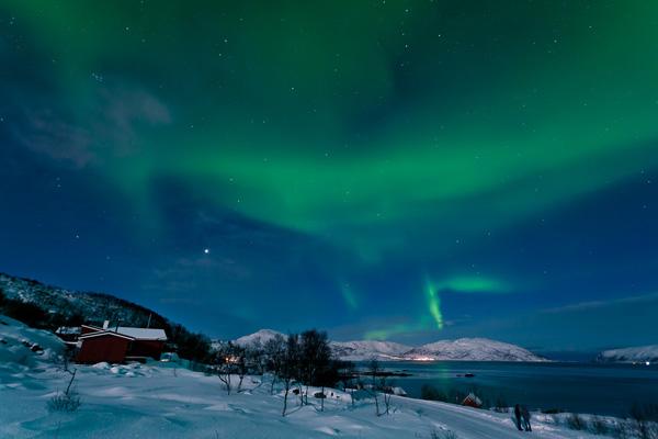 Zorza nad Norwegią (fot. Visit Norway)