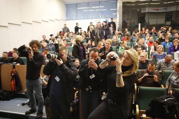 KFG 2013, panel dyskusyjny dotyczący wyprawy na Broad Peak i himalaizmu zimowego - liczna delegacja dziennikarzy (fot. Wojciech Lembryk/KFG)
