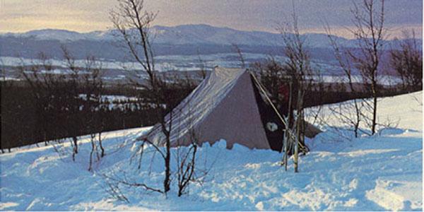 Åke stworzył swój pierwszy namiot z wykorzystaniem oddychającego materiału