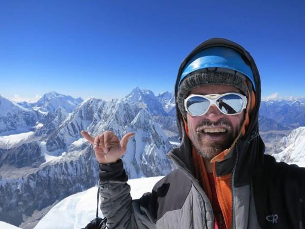 Chad Kellogg na wierzchołku Jobo Rinjang (fot. Chad Kellogg)