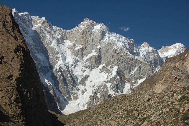 Pd.-zach. ściana Kunyang Chhish East 7400 m (fot. Lee Harrison)