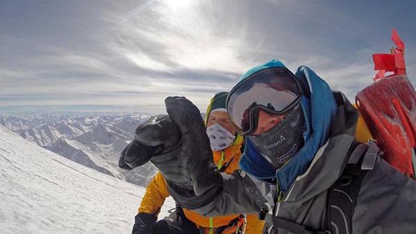 David i Simone na wysokości o 6800 m n.p.m. (fot. thenorthface/davidgöttler)