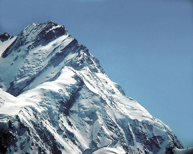 Nanga-Parbat z Grani Mazeno. Miejsce akcji Davida i Tomka znajduje się mniej więcej w środku zdjęcia (fot. Adam Jacob Muller)