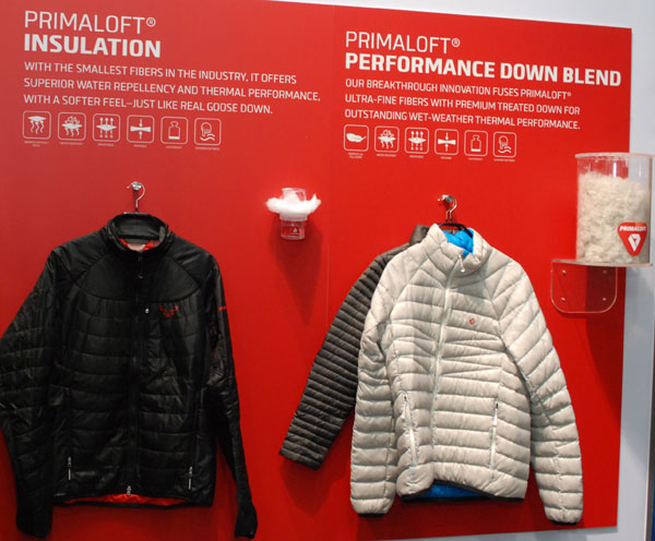 Tradycyjny PrimaLoft vs PrimaLoft® Performance Down Blend (fot. Outdoor Magazyn)