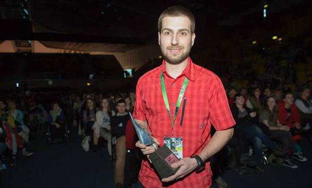 Grzegorz Gontarz z Nagrodą im. Andrzeja Zawady (fot. A.Larisz)