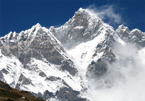 Lhotse widziana od strony Chukhung Ri (źródło: wikipedia)