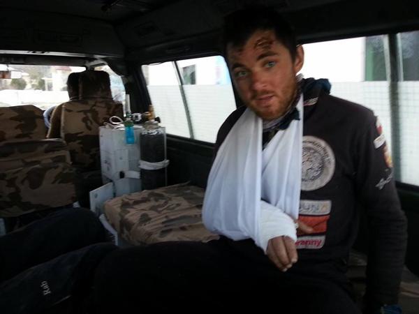 Paweł Dunaj świeżo opatrzony (fot. Jasmine Tours Pakistan)