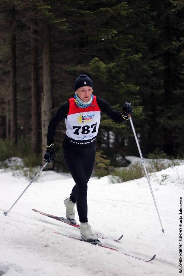 Natalia Haczyk – w tym sezonie jako jedyna pani czterokrotnie wygrywała swoją kategorię wiekową w biegach stylem klasycznym. W rodzinnej klasyfikacji – wraz z mężem – była druga w stylu klasycznym (fot. Stacja Jakuszyce)