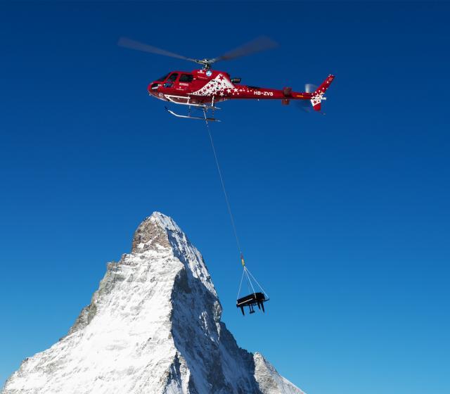 Zermatt Unplugged - fortepian i Matterhorn
