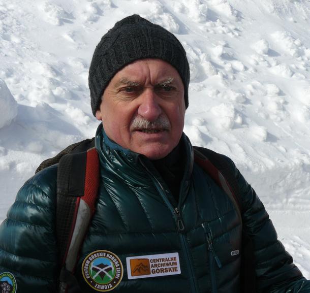 Krzysztof Wielicki poprowadził wstęp do warsztatów z zakresu podstaw turystyki wysokogórskiej (fot. Outdoor Magazyn)