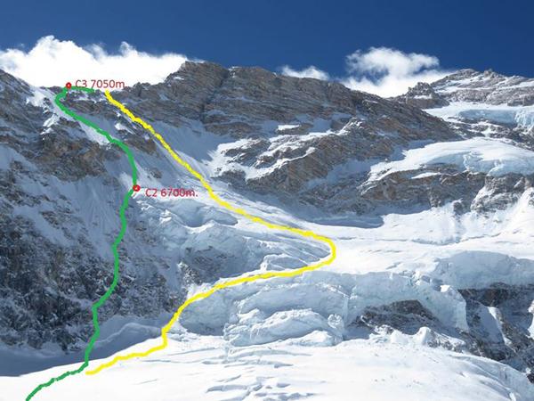 Żółta linia to droga Messnera z maja 1982 roku, zielona – wariant trwającej wyprawy (fot. arch. Alex Txicon)