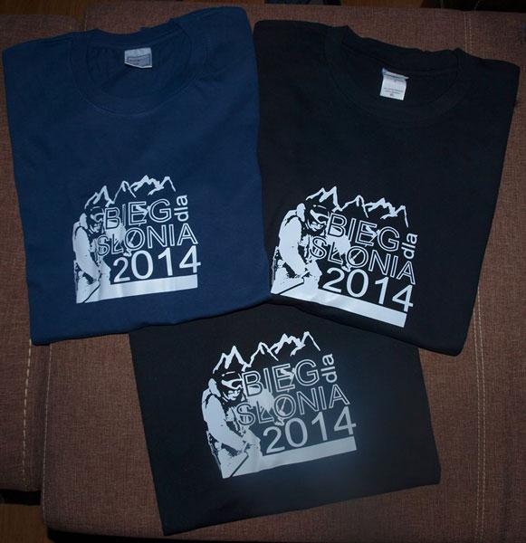 Pamiątkowe koszulki (fot. Bieg dla Słonia)