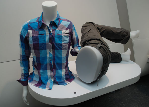 Koszula i spodnie z materiału Eco Woven marki Berghaus