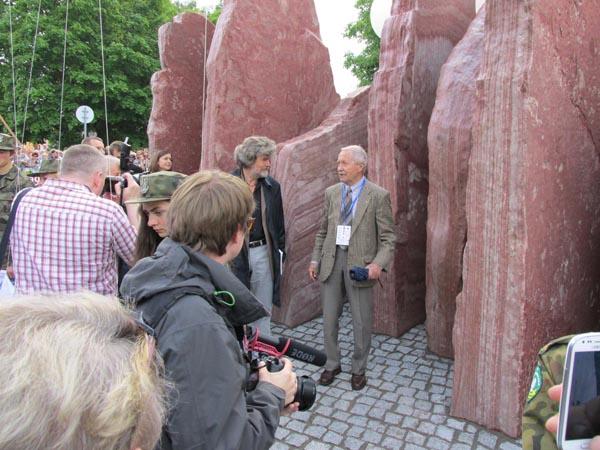 Prezes Janusz Onyszkiewicz w rozmowie z Reinholdem Messnerem