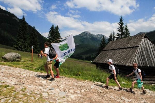 Wolontariusze _szlaki 4_Akcja Czyste Tatry 2015