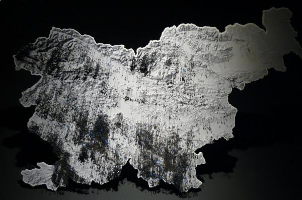 Jaskinie w Słowenii oznaczone na mapie szpilkami (fot. Outdoor Magazyn)