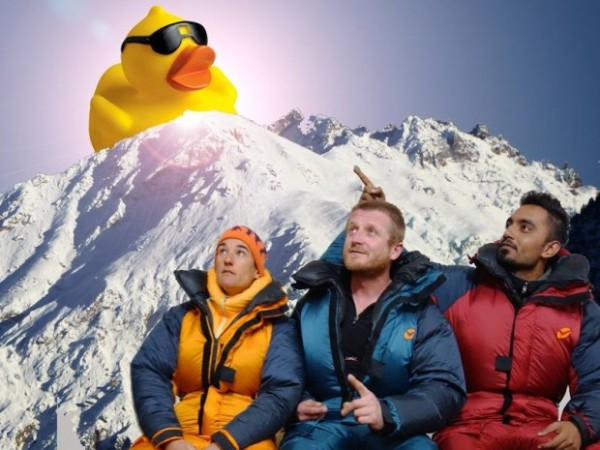 The International Rubber Duck Expedition 15/16. Od lewej: Elisabeth Revol, Tomek Mackiewicz, Arsalan Ahmed