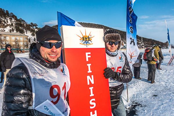 Piotr Hercog i Łukasz Zdanowski na mecie Baikal Ice Marathon (fot. Maciej Sokołowski)