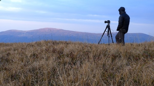 Statyw to absolutna konieczność przy fotografii krajobrazowej. Gdy wieje, zasłońmy ciałem aparat co znacznie pomoże uzyskać nieporuszone zdjęcie