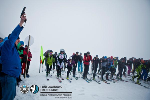 I Dni Lawinowo Ski-tourowe w Dolinie Pięciu Stawów - start Wyścigu Kombinowanego (fot. Marcin Kin)