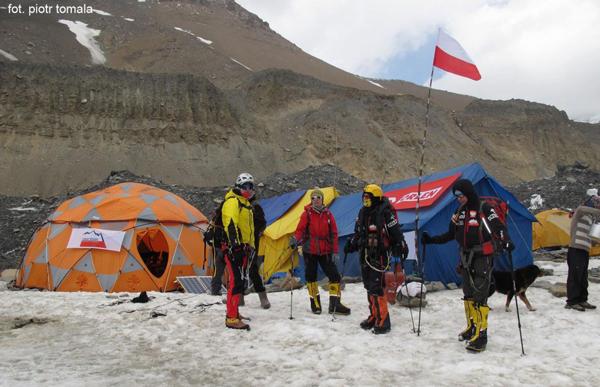 Wyprawa na Dhaulagiri 2013: ekipa po powrocie do bazy (fot. Piotr Tomala)