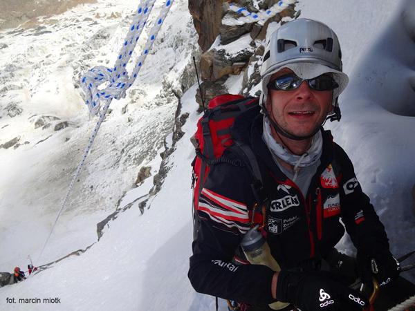 Wyprawa na Dhaulagiri 2013: Jacek Żyłka Żebrcaki na stanowisku (fot. Marcin Miotk)