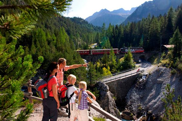 Plac zabaw dla małych i dużych (fot. Region  Graubünden)