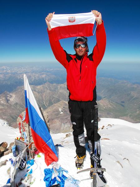 Piotr Ciszewski na szczycie Elbrusa