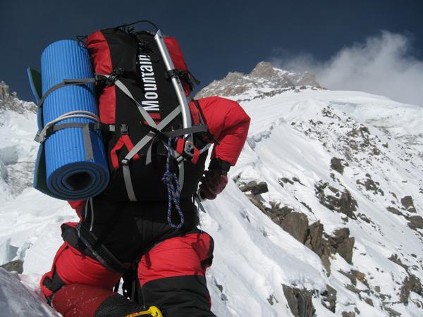 Sprzęt HiMountain używany jest na najwyższych szczytach świata. Tu Broad Peak,  (fot. Artur Hajzer)