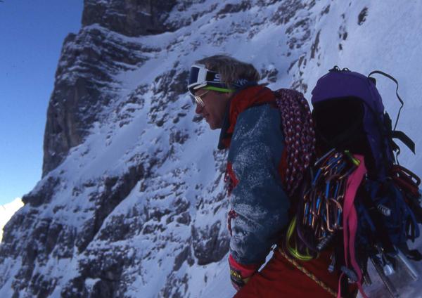 Jeff Lowe podczas wspinaczki na Eigerze w 1991 roku (fot. blog.lowepro.com)