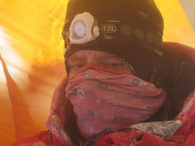 Artur Hajzer po próbie ataku szczytowego na Broad Peak (fot. Polski Himalaizm Zimowy)