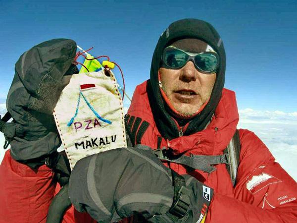 Artur Hajzer na szczycie Makalu (fot. Polski Himalaizm Zimowy)