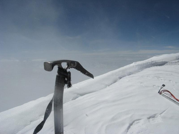 Adam na szczycie K2 (fot. Adam Bielecki)