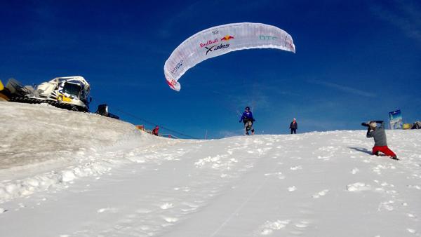 Paweł Faron podczas zawodów Red Bull X-Alps 2013 (fot. Red Bull)