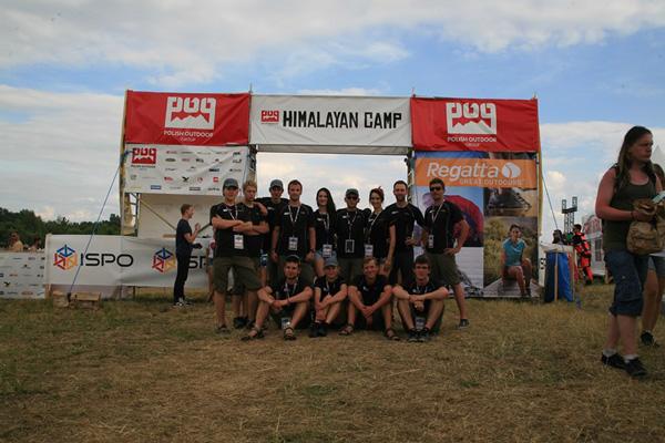 Ekipa-POG-przy-wejėciu-do-Himalayan-Camp-72dpi