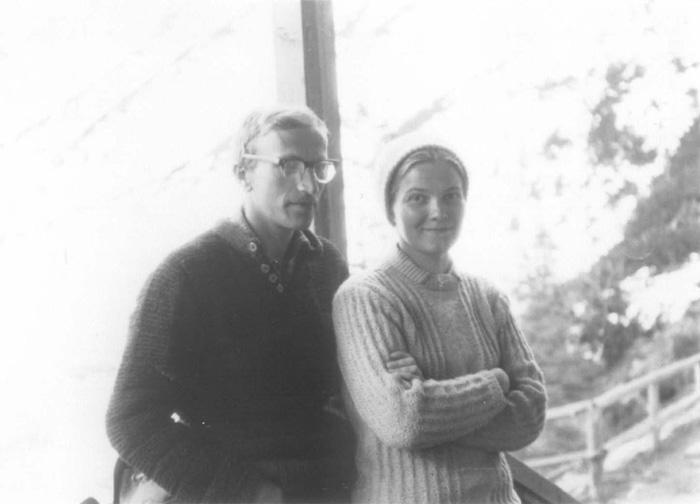 Jan i Małgorzata Kiełkowscy na ganku schroniska nad Morskim Okiem, zima 1968 (fot. arch. M. i J. Kiełkowscy)