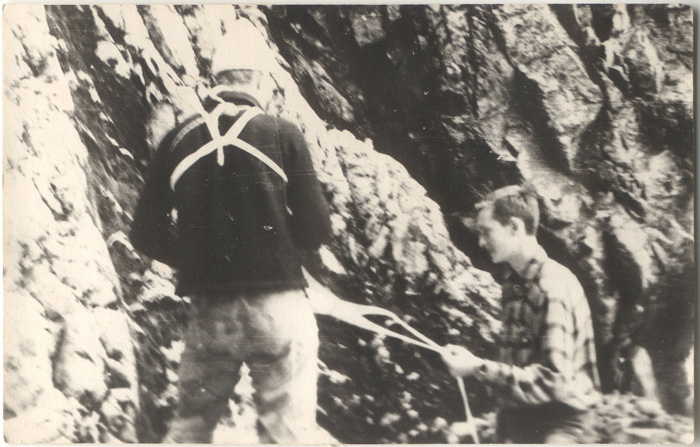 Jan Kiełkowski z bratem Zdzisławem pod Zamarłą Turnią, rok 1964 (fot. M. i J. Kiełkowscy)