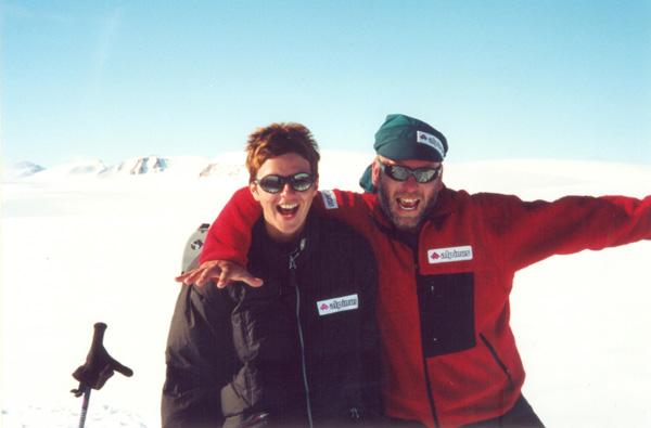Iza Hajzer i Artur Hajzer podczas wyprawy na Spitsbergen w 2000 roku (fot. Janusz Majer)