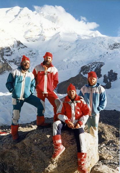 Pod Shishapangmą, rok 1987: Ryszard Warecki, Janusz Majer, Jerzy Kukuczka, Artur Hajzer (fot. arch. Janusz Majer)
