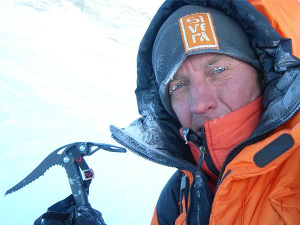 Denis na Makalu zimą