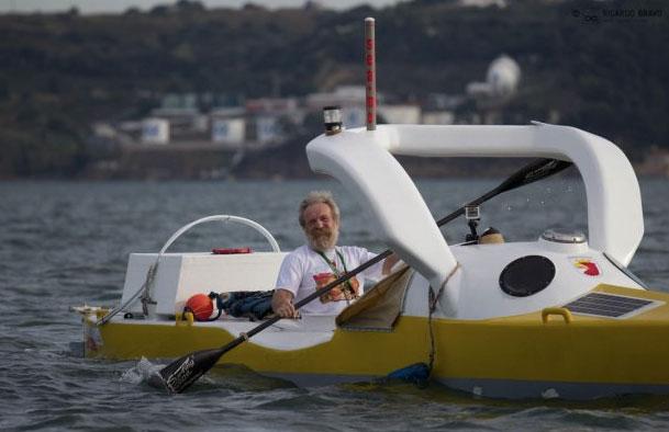 Olek Doba na kajaku OLO (fot. Ricardo Bravo, Canoe & Kayak/Canoandes)