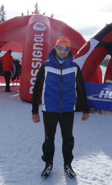 Łukasz Witek w stroju do biegówek podczas Red Bull Bieg Zbójników 2014 (fot. Outdoor Magazyn)