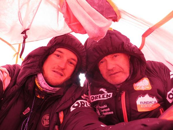 Adam Bielecki i Maciej Berbeka w obozie I (fot. PHZ)