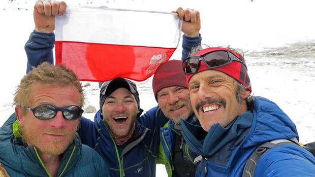 Zdjęcie z 3 marca - Tomasz Mackiewicz, Jacek Teler i Emilio Previtali (fot. ©thenorthface/emilioprevitali)