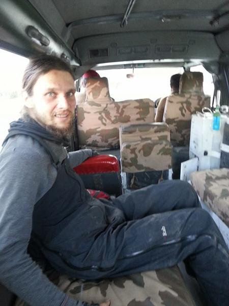 Michał Obrcyki w drodze do szpitala (fot. Jasmine Tours Pakistan)